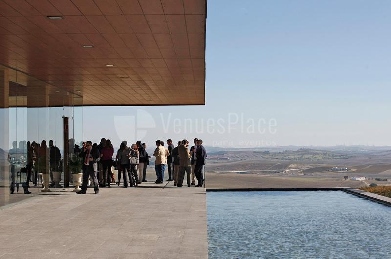Bodegas Luis Pérez disfruta de las vistas en tu eventos de empresa