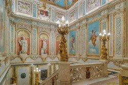 Escalinata del Palacio de Santoña