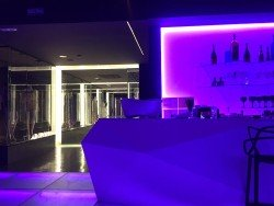 Interior 14 en Showroom Fashion Bar