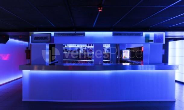 Servicio de bar en Oven Club Centro