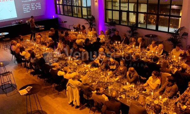 Cena espectaculo en Kitchen Club Orense