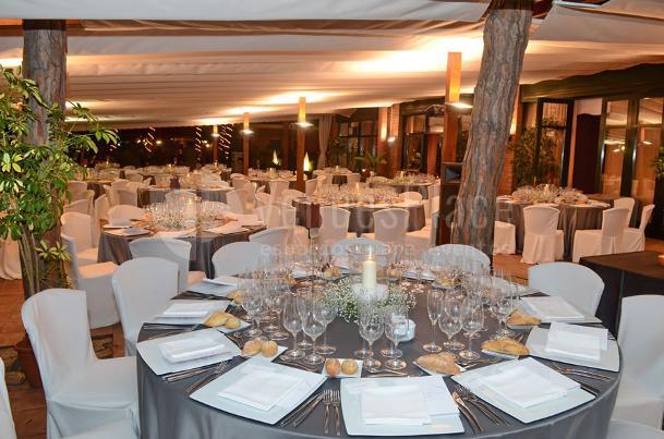 Amplios espacios para sus eventos en Restaurante Les Marines