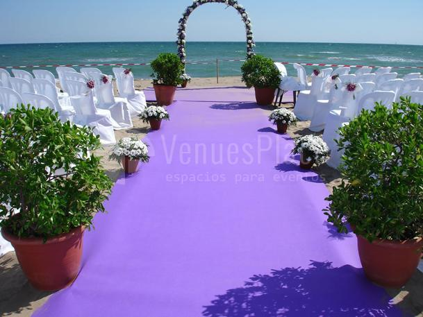 Montajes especiales para bodas con vistas al mar en Restaurante Les Marines