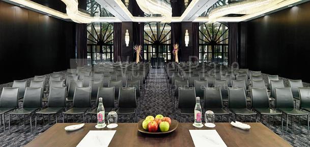Sala EOS - Meeting Room - Teatro Set up Hotel Gran Meliá Palacio de Isora