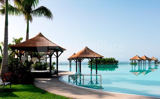Camas Balinesas - Infinity Pool Hotel Gran Meliá Palacio de Isora