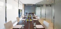 Sala Lleida, montaje de una mesa de trabajo