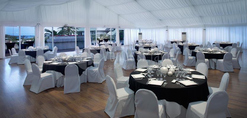 Carpa con montaje en formato banquete en el Hotel Meliá Sitges / Carp with muntage in banquet format  at Hotel Meliá Sitges