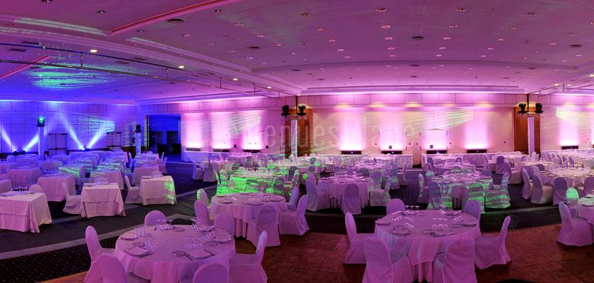 Sala tramuntana con montaje en formato banquete en el Hotel Melía Sitges / Sala tramuntana amb muntatge en format banquet a l'Hotel Melía Sitges