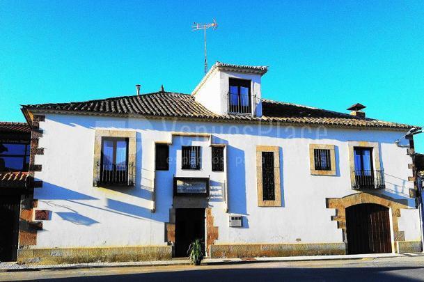 El Palacio de Monfarracinos
