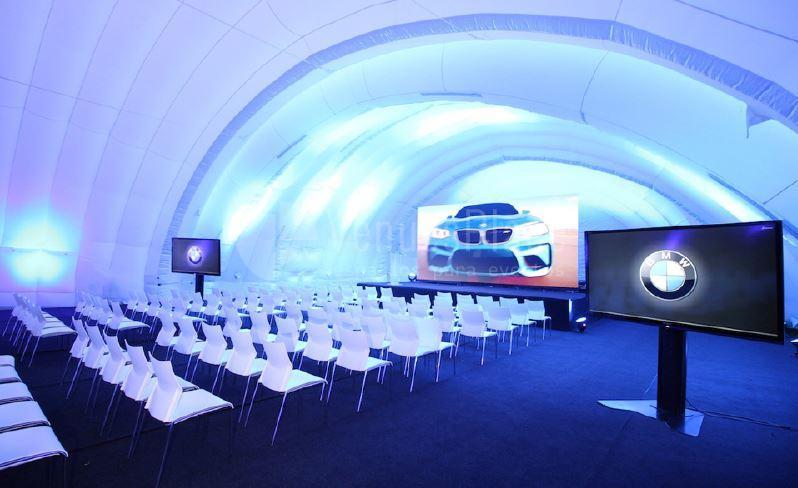 Eventos de motor, presentaciones de producto en Sky Center