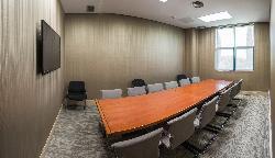 Mesa imperial para reuniones de empresa, juntas, eventos de empresa en Retamares Events Suites & Golf