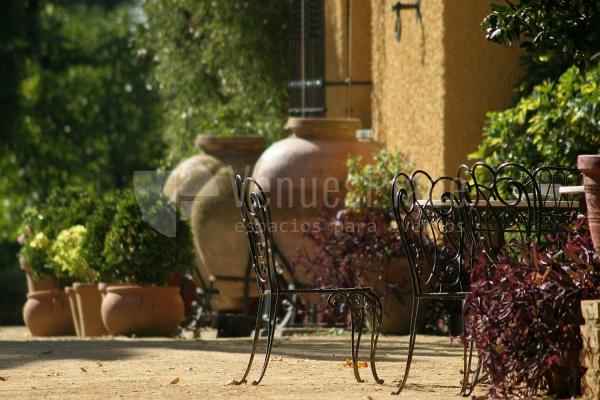 Jardines privados para eventos especiales y diferentes en el Cortijo de Arenales
