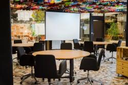 Sala Londres en Impact Hub Alameda