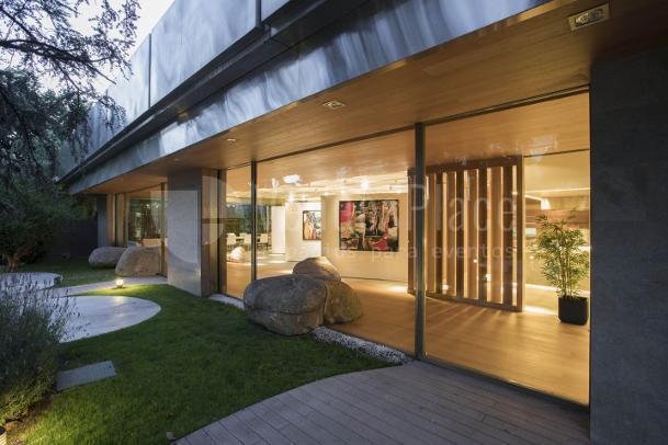 Exterior 2 en Galería de Arte en Castellana