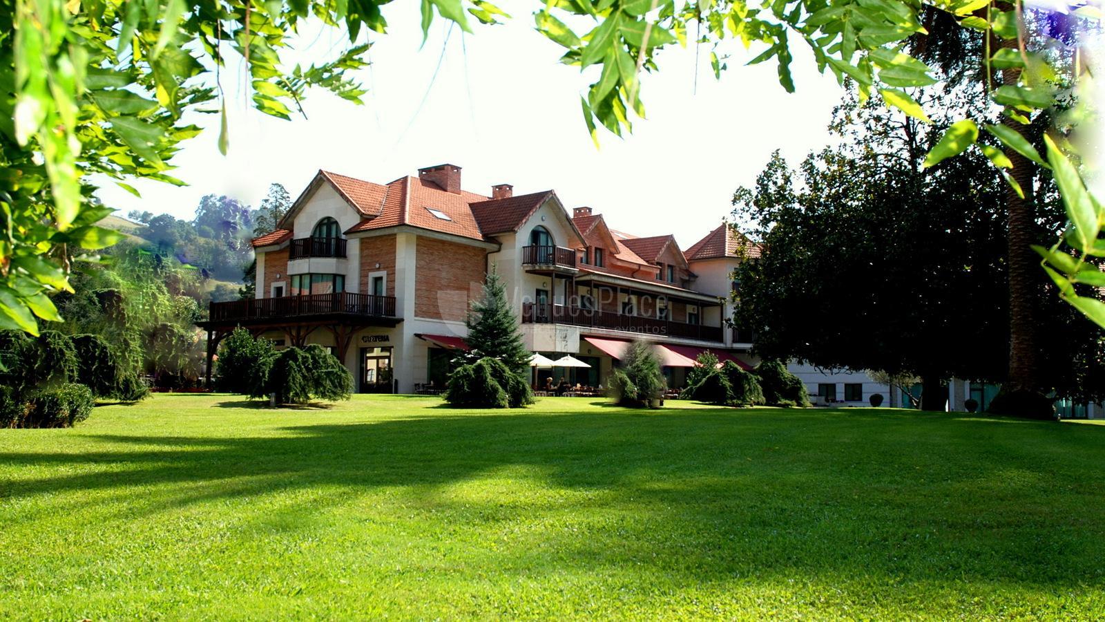 Exterior 6 en Gran hotel balneario de Puente Viesgo