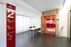 Acceso al Auditorios del Colegio Oficial de Aparejadores y Arquitectos Técnicos de Madrid