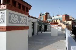 Azotea con capacidad para 200 personas en cocktail en el Colegio Oficial de Aparejadores y Arquitectos Técnicos de Madrid