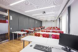 Aula 2 en el Colegio Oficial de Aparejadores y Arquitectos Técnicos de Madrid