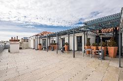 Terraza para eventos en el Colegio Oficial de Aparejadores y Arquitectos Técnicos de Madrid