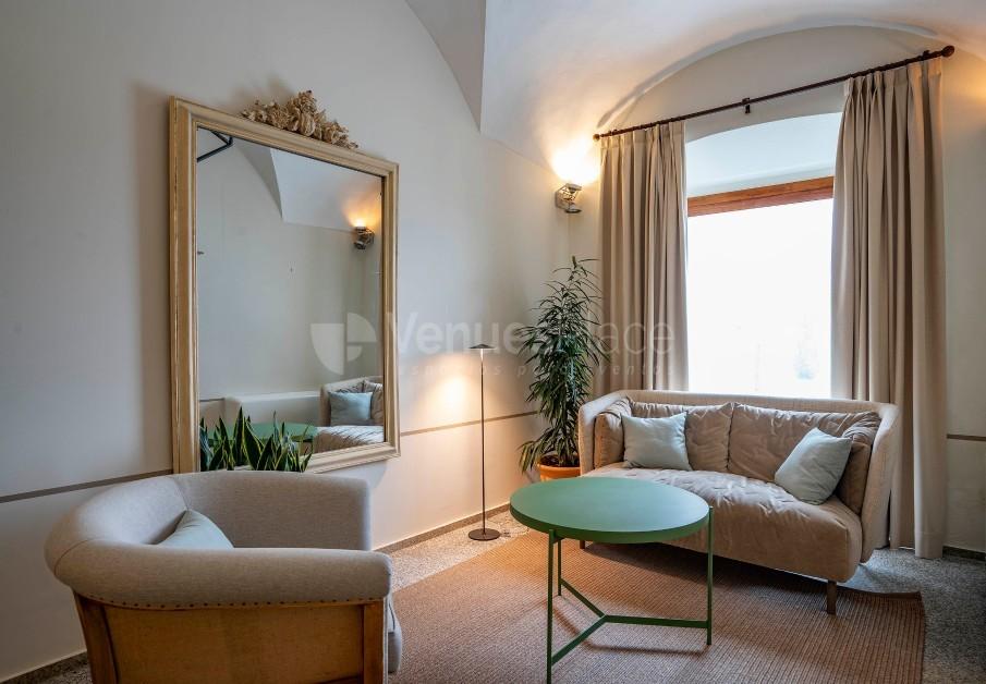 Salita recepción en Hotel Hospes Palacio de Arenales & Spa Cáceres