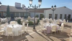 Banquete en exterior en Hotel Hospes Palacio de Arenales & Spa Cáceres