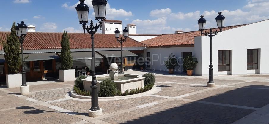 Patio de Recepción del Hotel Hospes Palacio de Arenales & Spa Cáceres