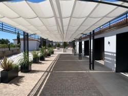 Pérgola de entrada en Hotel Hospes Palacio de Arenales & Spa Cáceres