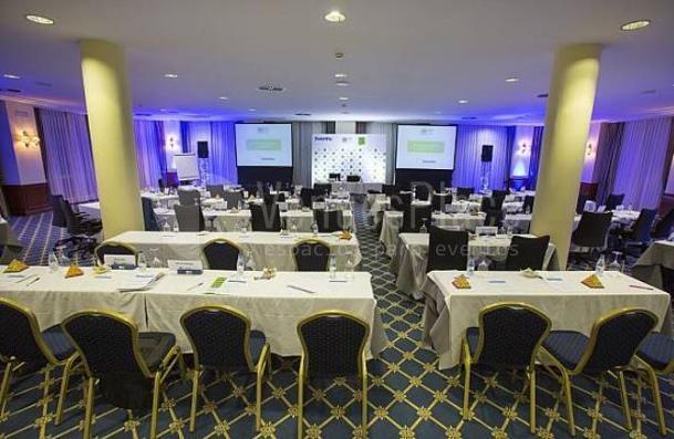 Presentaciones y conferencias en Hotel Fontecruz Ávila ****