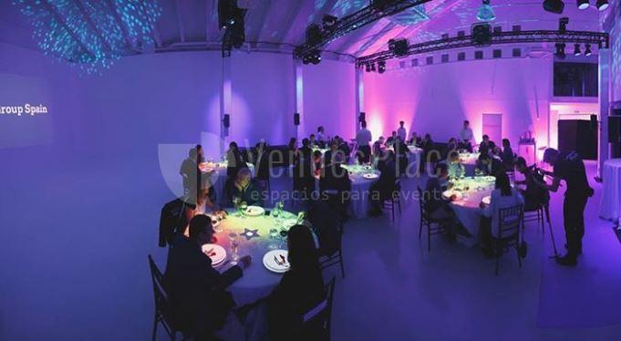 Comidas y cenas de empresa en Nave creativa en Plaza Castilla