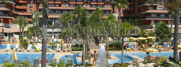 PISCINA DE PUERTO ANTILLA GRAND HOTEL