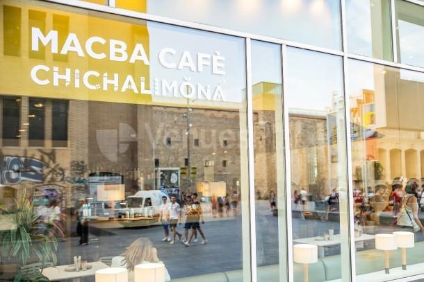 ventanal exterior Macba Cafè Chichalimoná