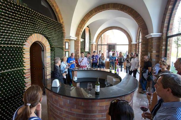 Cata de vino en el Hotel Bodega Eguren Ugarte