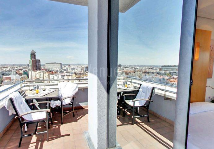 Terraza en Abba Madrid Hotel