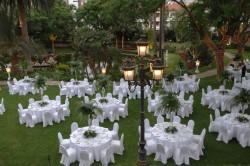 Jardín preparado para un evento