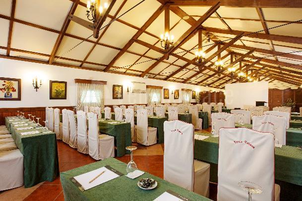 Salón Los Atrojes - Montaje en Escuela Finca Eslava