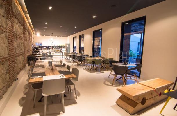 Comidas y cenas de empresa en Petit Palace Santa Bárbara