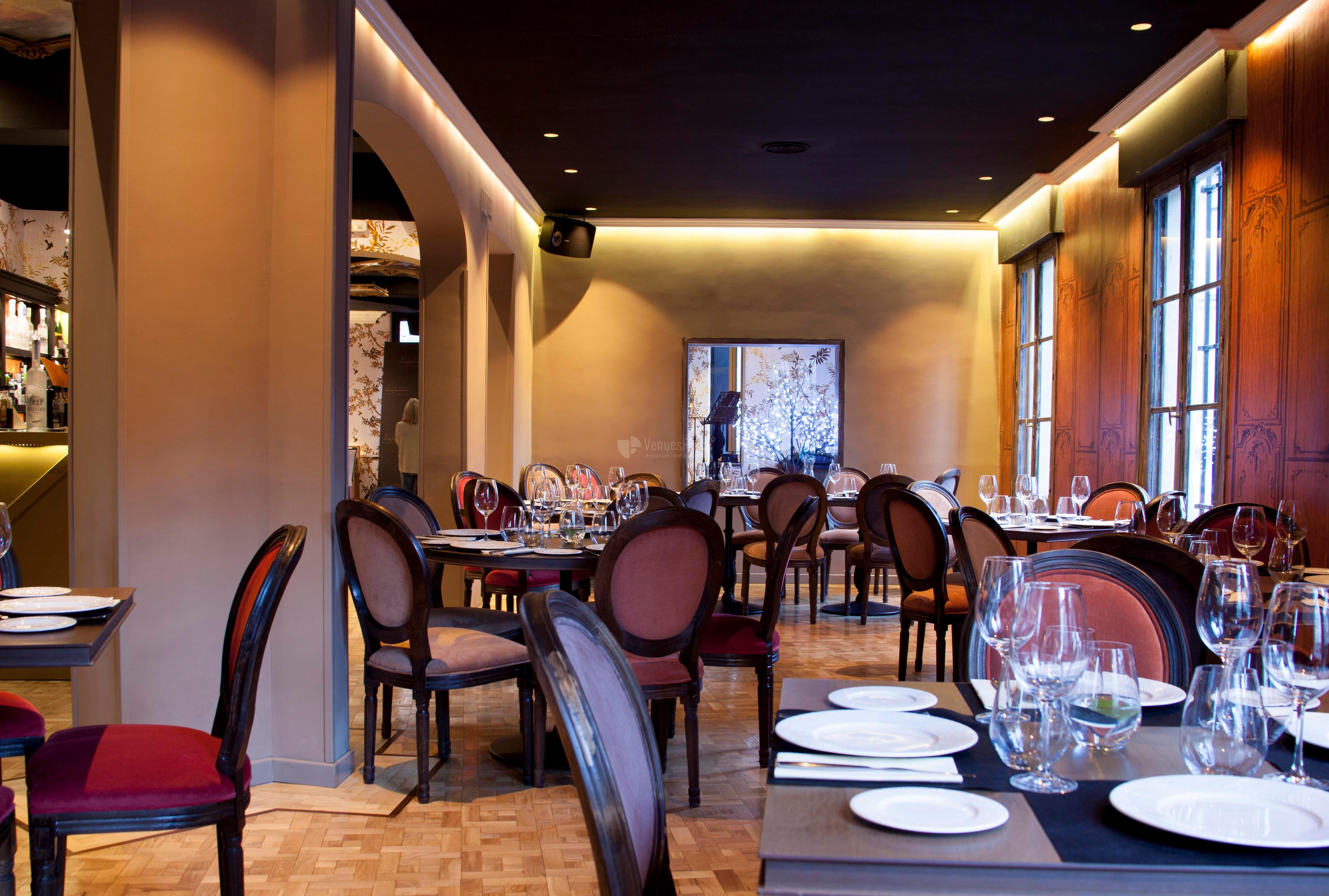 Sala Princesa Comidas y cenas de empresa, celebraciones familiares en el Restaurante Küche