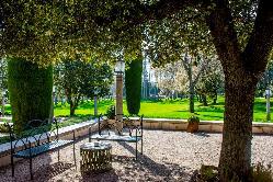 Disfruta de los maravillosos jardines de La Casa de Mónico