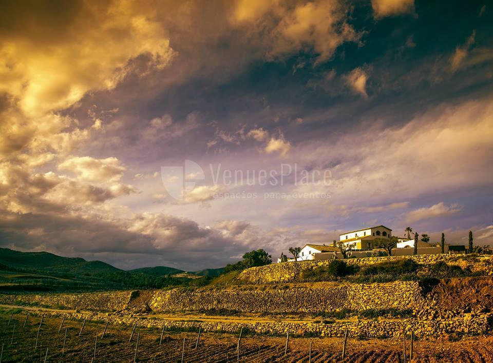 Disfruta de un paisaje precioso en Mas Llagostera