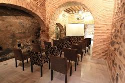 hotel-toledo-sercotel-pintor-el-greco-salon-arcos-2_jpg_571x377_crop_q85.jpg
