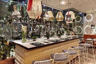 Restaurantes con espectáculo para Bodas: El Jardín del Edén