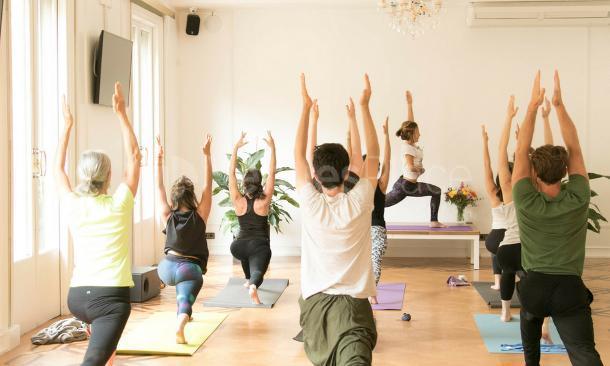 Yoga en Sala Rambla en Canvas Barcelona