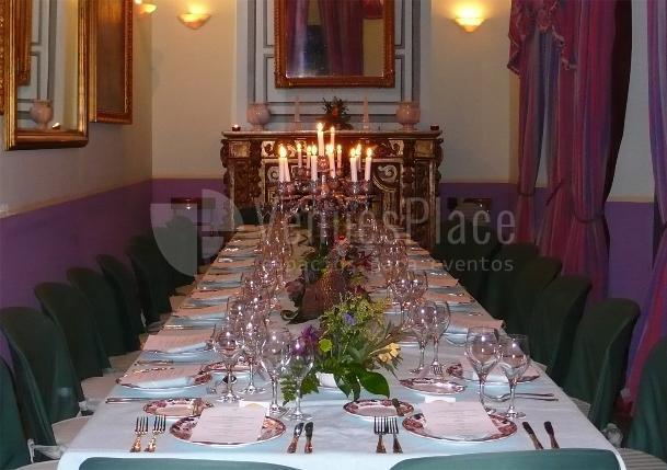 Salón ajedréz montaje mesa imperial en Casa Palacio de Carmona