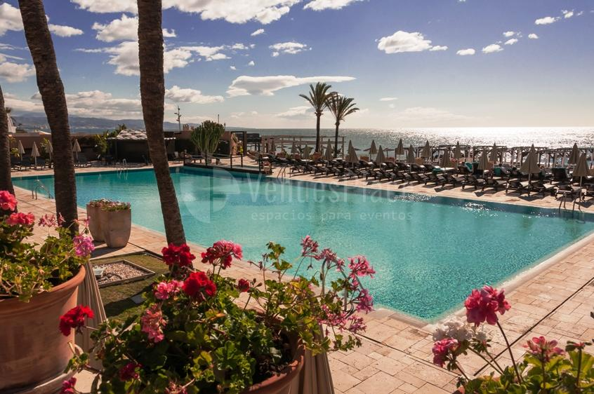 Exterior piscina en Hotel Guadalmina Spa & Golf Resort  *****
