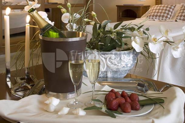 Detalles para los novios en el Hotel Guadalmina Spa & Golf Resort  *****