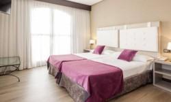 Interior habitación Hotel Ilunion Golf Badajoz