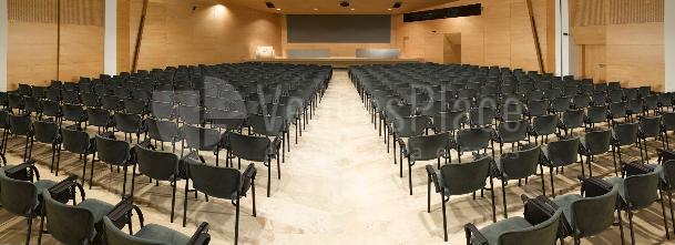 Auditorio Jaime Planas ideal para conferencias