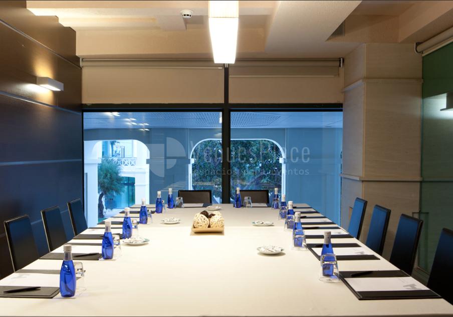 Montaje sala de reuniones en Balneario Resort Las Arenas*****
