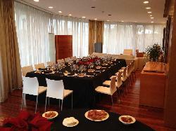 Montaje de celebración en Catering Boix de la Cerdanya. Restaurante Boix Zal