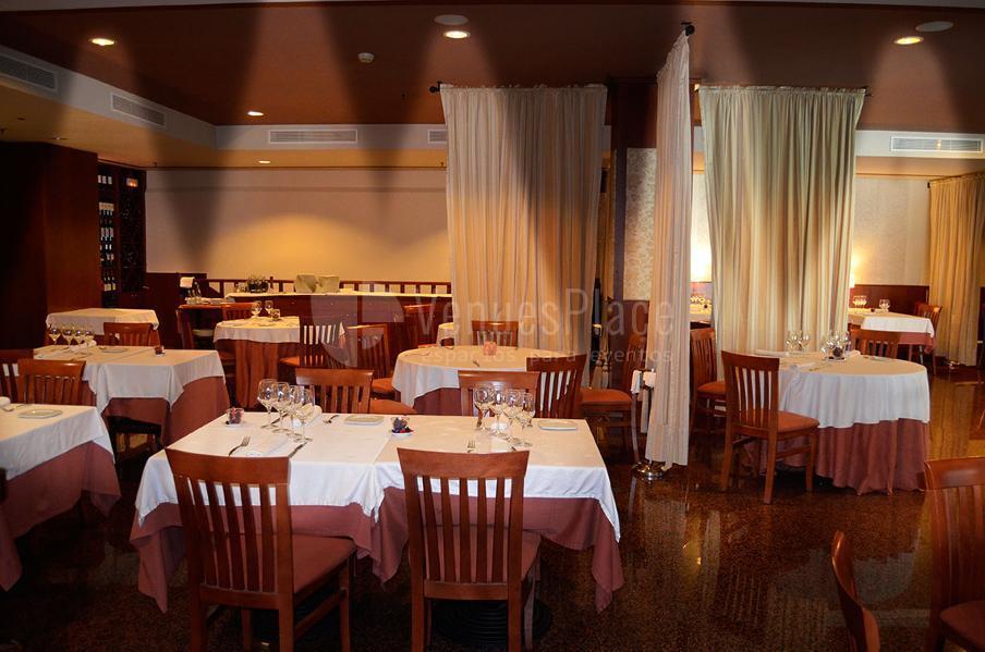 Disfruta de los magníficos salones en el Catering Boix de la Cerdanya. Restaurante Boix Zal